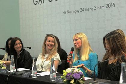 Tứ tấu BOND đến từ Anh Quốc biểu diễn với nghệ sĩ Việt