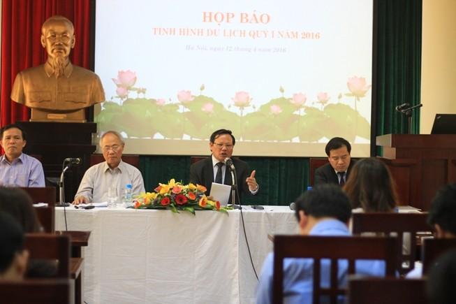 Lo ngại du khách Việt Nam 'xấu xí' như khách Trung Quốc