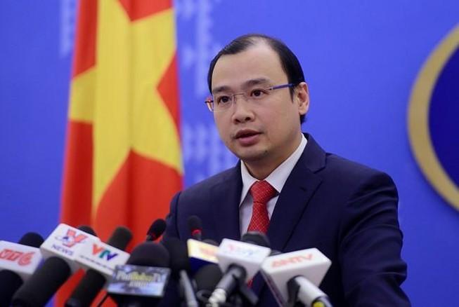 Tổng lãnh sự giới thiệu luật sư cho gia đình Minh Béo