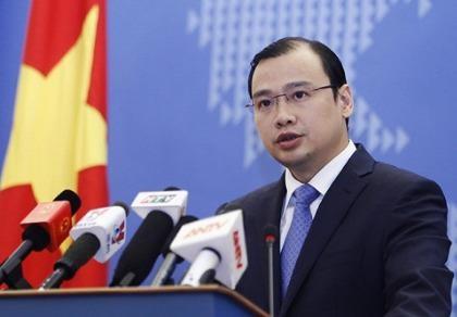 Công bố đường dây nóng hỗ trợ công dân Việt Nam sau khủng bố tại Pháp