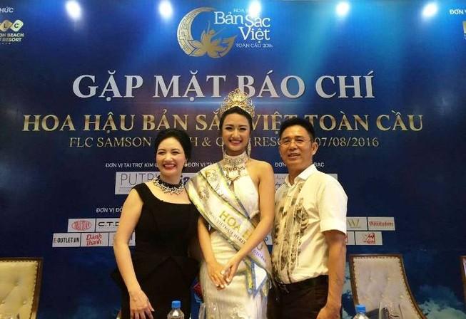 Mẹ Hoa hậu Thu Ngân bật mí lý do phải 'ném con' đi xa