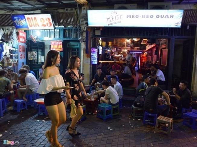 Hà Nội tiếp tục lấy ý kiến quy tắc ứng xử nơi công cộng