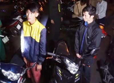 Hàng trăm cảnh sát vây bắt... 200 'quái xế' đua xe ngày đầu năm