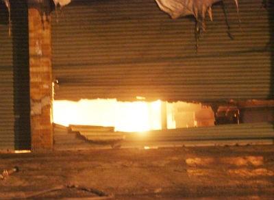 1.000 m2 nhà xưởng cháy rụi trong đêm