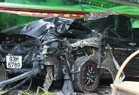 Trộm xe ô tô rồi bỏ chạy gây tai nạn liên tiếp