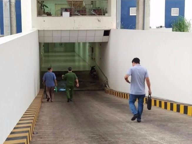 Công nhân chém chết quản đốc ngay cổng công ty