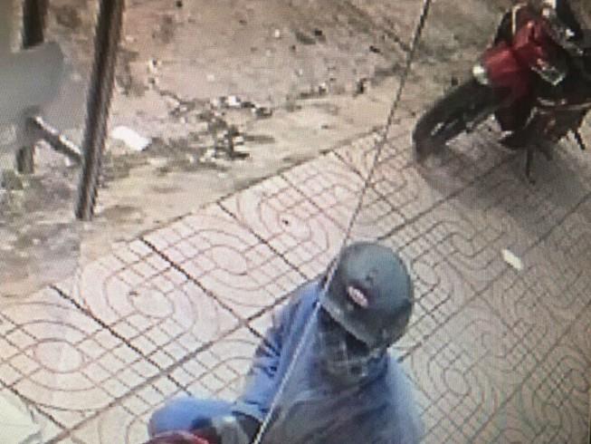 Tìm thấy xe máy nghi của tên cướp ngân hàng ở Đồng Nai