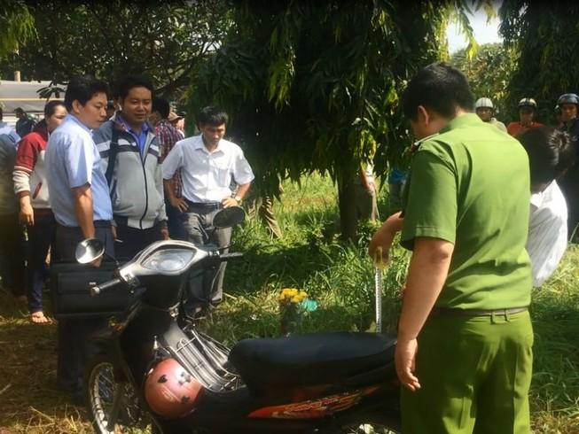 Biên Hòa: Một phụ nữ chết bất thường cạnh xe máy