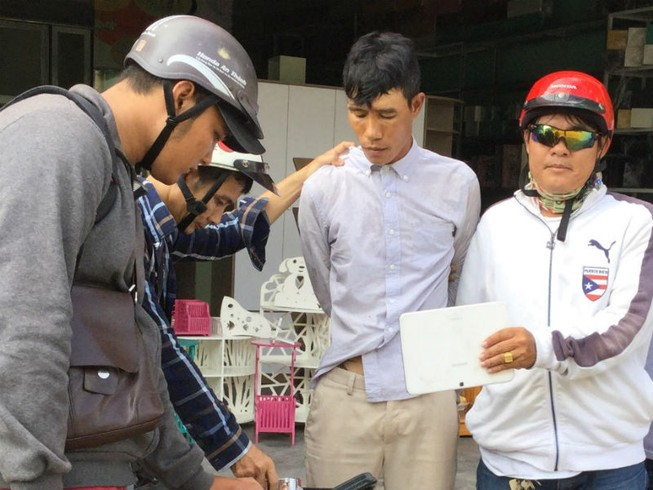 Nhóm 'hiệp sĩ' truy bắt nghi can trộm Ipad