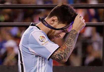 Sốc: Messi tuyên bố giã từ đội tuyển Argentina