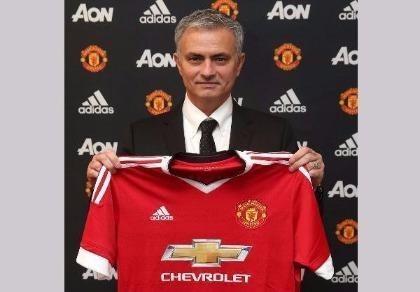 Jose Mourinho và bản hợp đồng thứ tư ở M.U