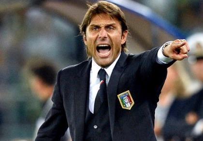 Cesc Fabregas đối mặt tương lai bất ổn ở Chelsea