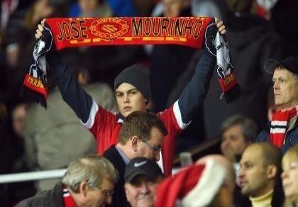 Sốc: Jose Mourinho sẽ bán 8 cầu thủ MU để mua 1 Paul Pogba?