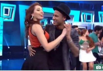 Không đá bóng, Neymar đi thi... nhảy