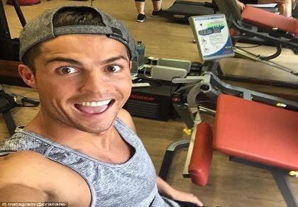 Cristiano Ronaldo chăm chỉ tập luyện mong sớm phục hồi chấn thương