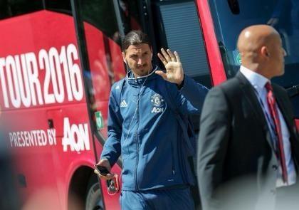 Zlatan Ibrahimovic vui mừng trở về nhà cùng M.U