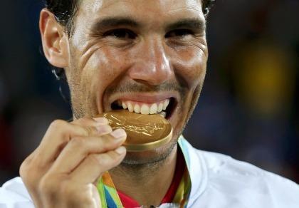 Giành HCV Olympic Rio: Nadal rơi nước mắt ngày trở lại đỉnh vinh quang
