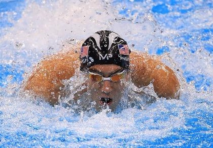 Michael Phelps giúp đội bơi Mỹ lập kỷ lục tại Olympic