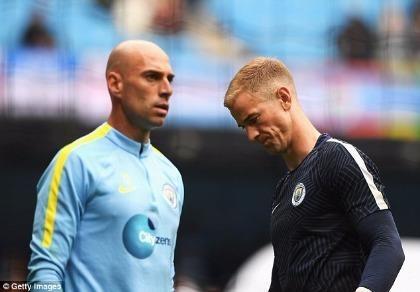 Pep Guardiola sa thải thủ môn số 1 nước Anh