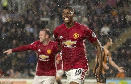 Giúp MU có 3 điểm, Marcus Rashford vẫn chưa được Mourinho tin tưởng