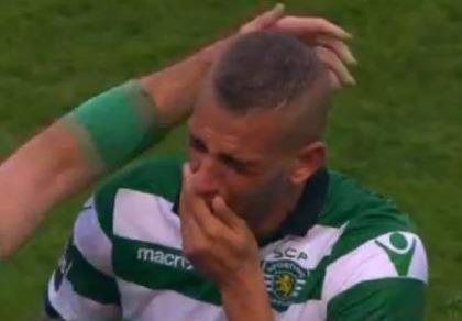 Islam Slimani đến Leicester City trong nước mắt