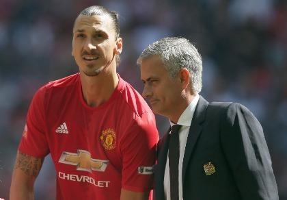 Không có Mourinho, Ibrahimovic đã là đối thủ của 'quỷ đỏ'