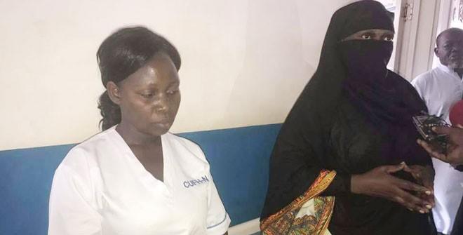Bộ trưởng y tế Uganda 'vi hành' bắt quả tang hối lộ - ảnh 1