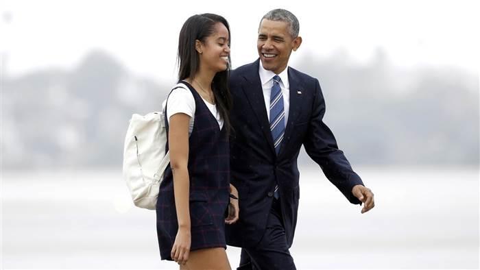Ông Obama tiễn con gái cưng, khóc trước mặt mật vụ - ảnh 1