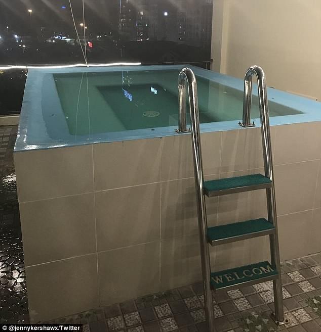 Du khách 'té ngửa' với mánh quảng cáo hồ bơi khách sạn  - ảnh 3