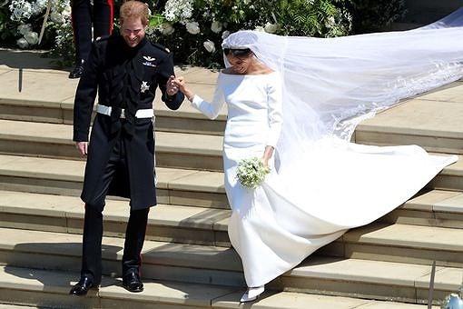 Những khoảnh khắc lộng lẫy trong đám cưới Hoàng gia Anh - ảnh 18