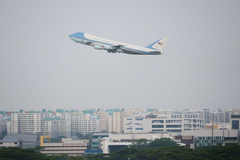 Ông Trump rời Singapore sau thượng đỉnh tuyệt vời với ông Kim  - ảnh 1