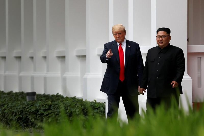 Chùm ảnh: Những khoảnh khắc lịch sử của ông Trump và ông Kim - ảnh 13
