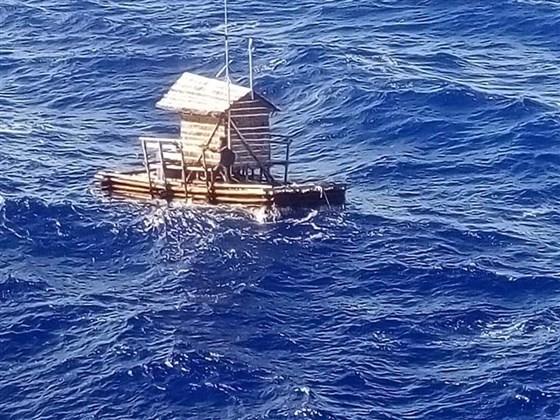 Sống sót kì diệu sau 49 ngày lênh đênh trên Thái Bình Dương - ảnh 2