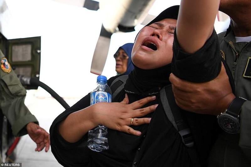 Những hình ảnh rúng động thế giới về thảm họa ở Indonesia   - ảnh 6