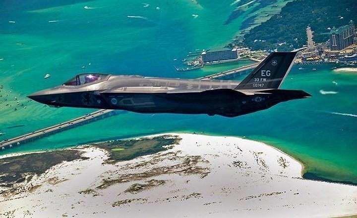 Những máy bay quân sự đình đám trên thế giới - ảnh 6