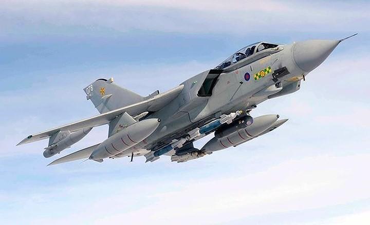 Những máy bay quân sự đình đám trên thế giới - ảnh 8