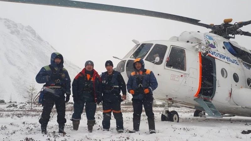 Sống sót kỳ diệu sau 4 ngày kẹt ở ngọn núi lạnh nhất nước Nga - ảnh 1
