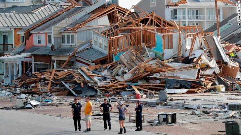 Mỹ: Đã có 6 người chết vì bão Michael - ảnh 1