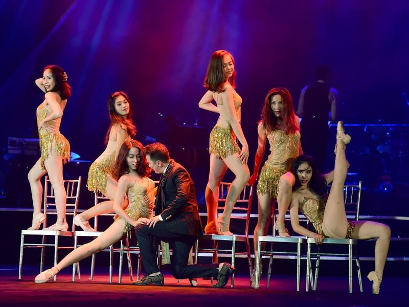 Liveshow Việt Anh và lưng chừng xúc cảm - ảnh 9