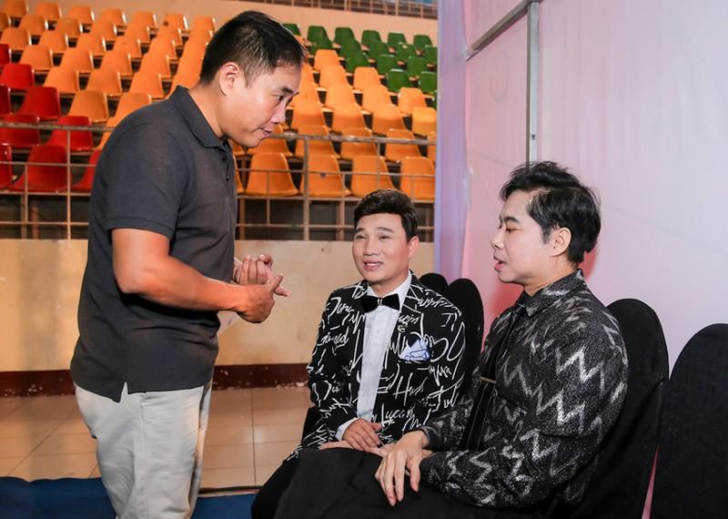 Ngọc Sơn huấn luyện bảy ca sĩ trẻ hát bolero - ảnh 2