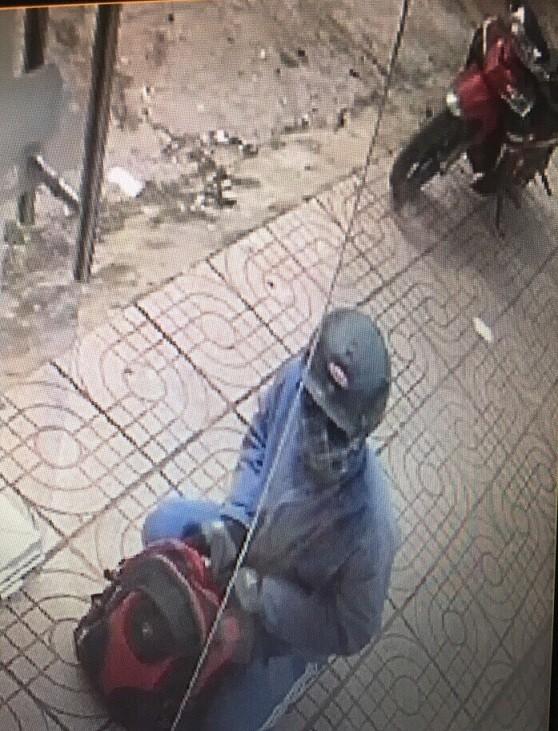 Tìm thấy xe máy nghi của tên cướp ngân hàng ở Đồng Nai - ảnh 1