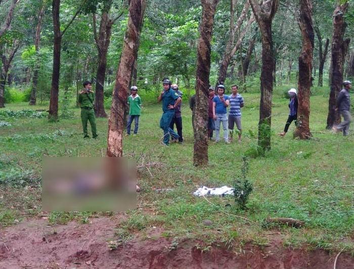 Thi thể người đàn ông chết cháy trong lô cao su ở Đồng Nai - ảnh 1