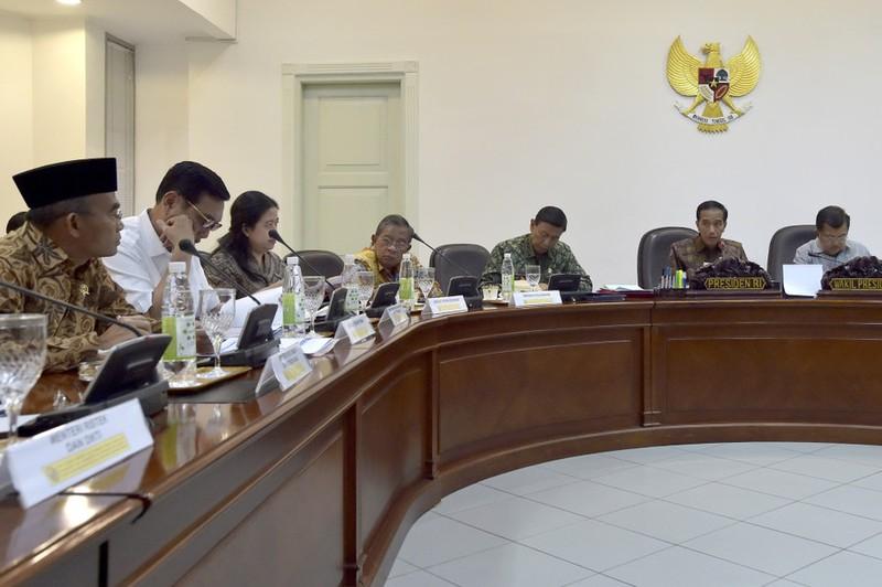 Tổng thống Widodo lệnh mỗi tỉnh 1 sân bóng chuẩn FIFA - ảnh 4