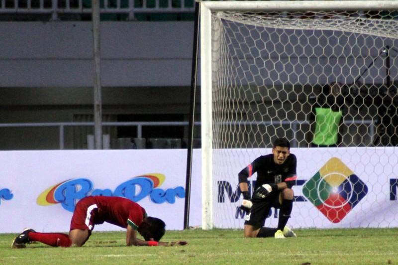 Indonesia thua trận, nhà vô địch châu Âu nhận quả đắng - ảnh 1