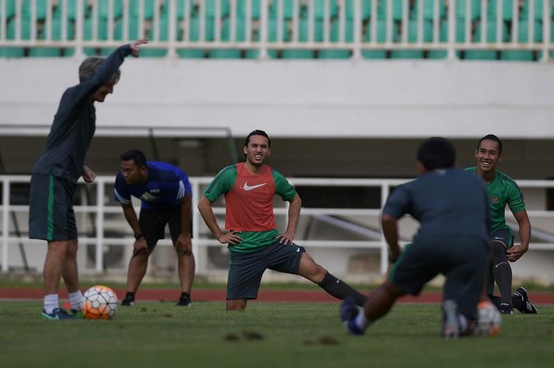 Sao trẻ Ajax chính thức khoác áo đội tuyển Indonesia - ảnh 2