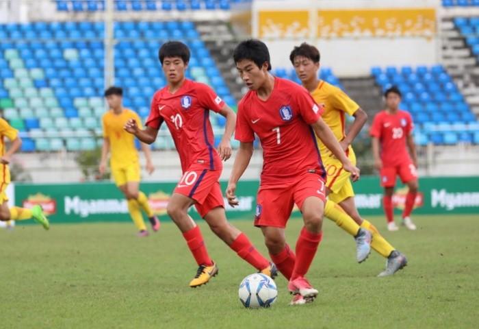 U-16 Trung Quốc méo mặt với vé vớt - ảnh 1