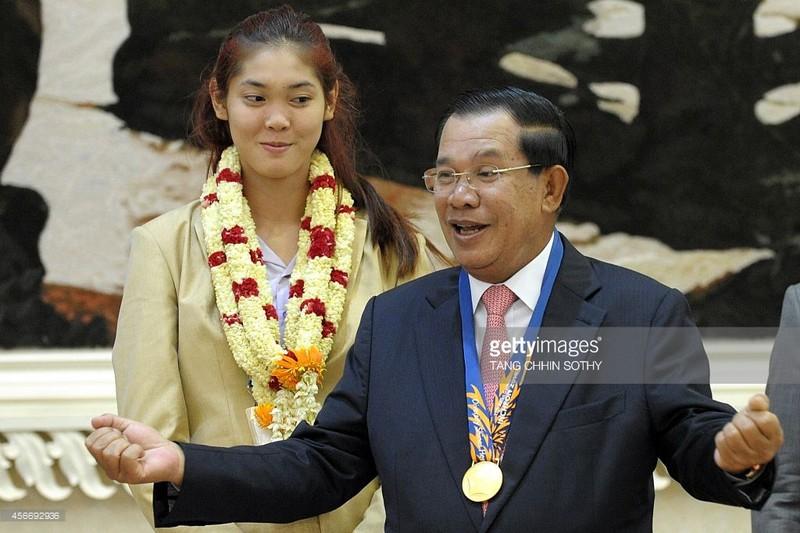 Thủ tướng Campuchia hỗ trợ cho nhà vô địch Asiad - ảnh 1