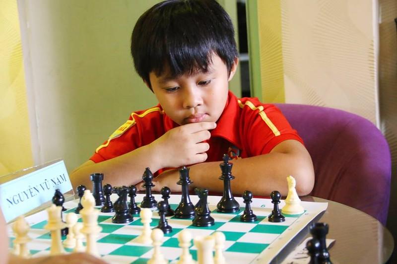 Gần 100 kỳ thủ tranh tài giải cờ vua để tìm thần đồng - ảnh 3
