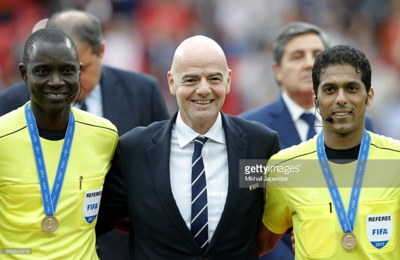 Vừa được FIFA gọi bắt World Cup, trọng tài đã dính tiêu cực - ảnh 1