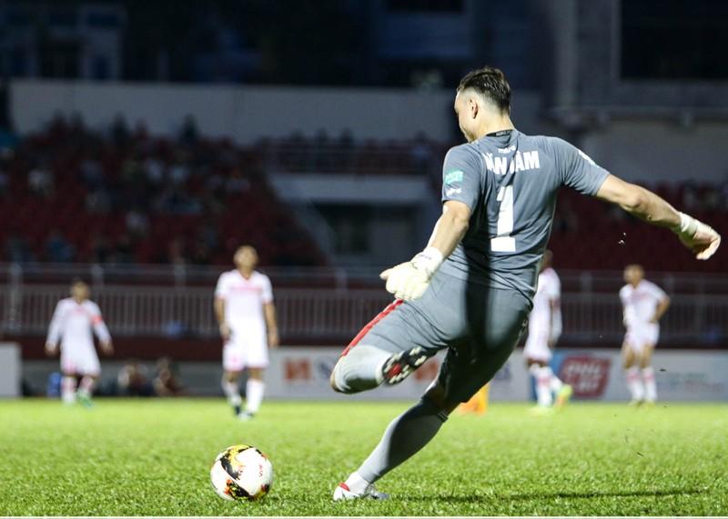 Thủ môn Đặng Văn Lâm làm nản lòng Sài Gòn FC - ảnh 1